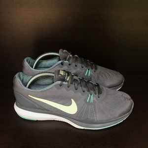 Nike in season Tr 7 woman's shoes 10